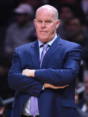 Charlotte Hornets head coach Steve Clifford in the second half of the game against the Los Angeles Clippers at Staples Center.