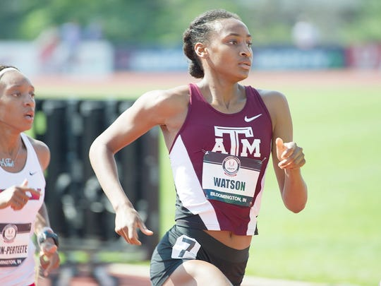 Sammy Watson leading the women's 800 at the USA Track