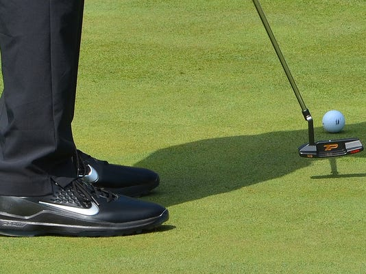 Tiger Woods practices with new TaylorMade blade putter at TPC Boston