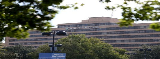 Texas Health Dallas criticized for Ebola treatment