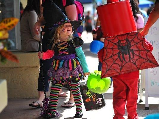 636438610410864251-halloween-Costumes.JPG