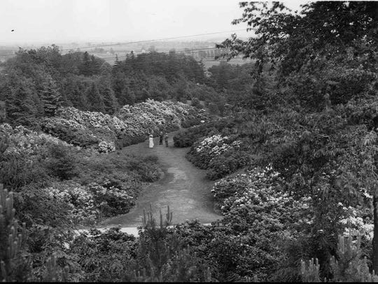 In the 1910s, Albert Stone took this photograph of Highland Park during the Lilac Festival.