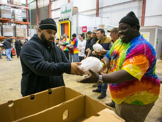Giant donates 1,000 turkeys to the Food Bank of Delaware