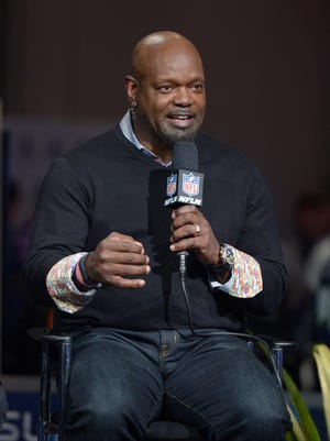 Former Dallas Cowboys great Emmitt Smith will speak at the Duck Commander Independence Bowl kickoff luncheon.  Jan 30, 2014; New York, NY USA; Dallas Cowboys and Arizona Cardinals former running back Emmitt Smith on the NFL Network set at the Super Bowl XLVIII media center at the Sheraton Times Square New York. Mandatory Credit: Kirby Lee-USA TODAY Sports