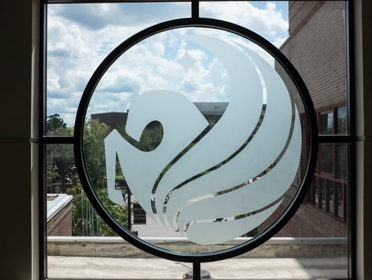 635548510922230337-UCF-Buildings-Student-Union-Pegasus-Window