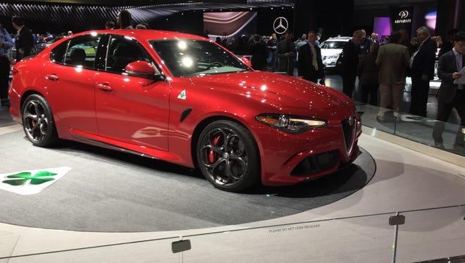 Making its U.S. debut at the Los Angeles auto show, the 2017 Alfa Romeo Giulia Quadrifoglio boasts 505 hp and all-wheel drive
