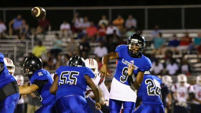 La Vergne quarterback Keianthony Conner fires a pass during last year's Rutherford County Jamboree.