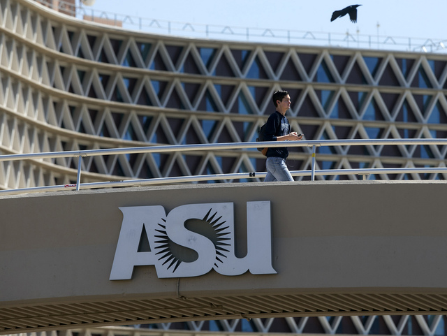 California college students flock to Arizona as UC, CSU turn them away