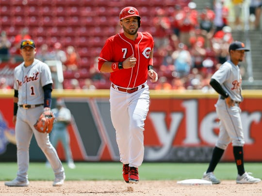 The Cincinnati Reds' Eugenio Suarez runs the bases
