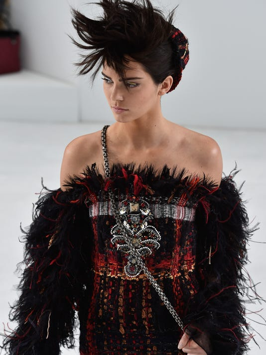 4795b193fc1ea6 Kendall Jenner walks the runway during the Chanel show as part of Paris  Fashion Week - Haute Couture Fall Winter 2014-2015 at Grand Palais on July  8