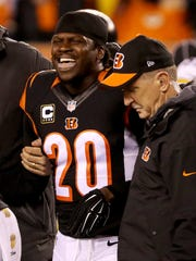Reggie Nelson grimaces in pain after he was injured in the first half during the Bengals' loss to Pittsburgh.