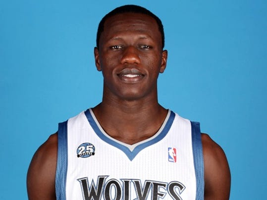 Gorgui-Dieng-Wolves-preseason.jpg