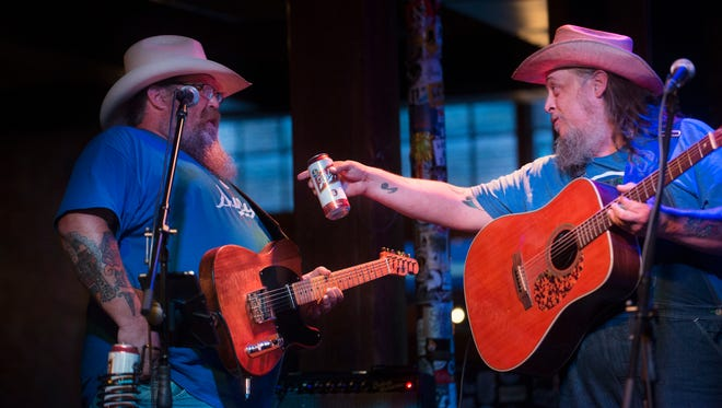 Mike McGill, left, and Andy Pirkle of the Barstool Romeos perform during the WDVX 6 O'Clock Swerve radio show Thursday, Oct. 20, 2016, at Barley's Taproom & Pizzeria. The Barstool Romeos will perform again at Barley's at 10 p.m. Friday, Dec. 30.