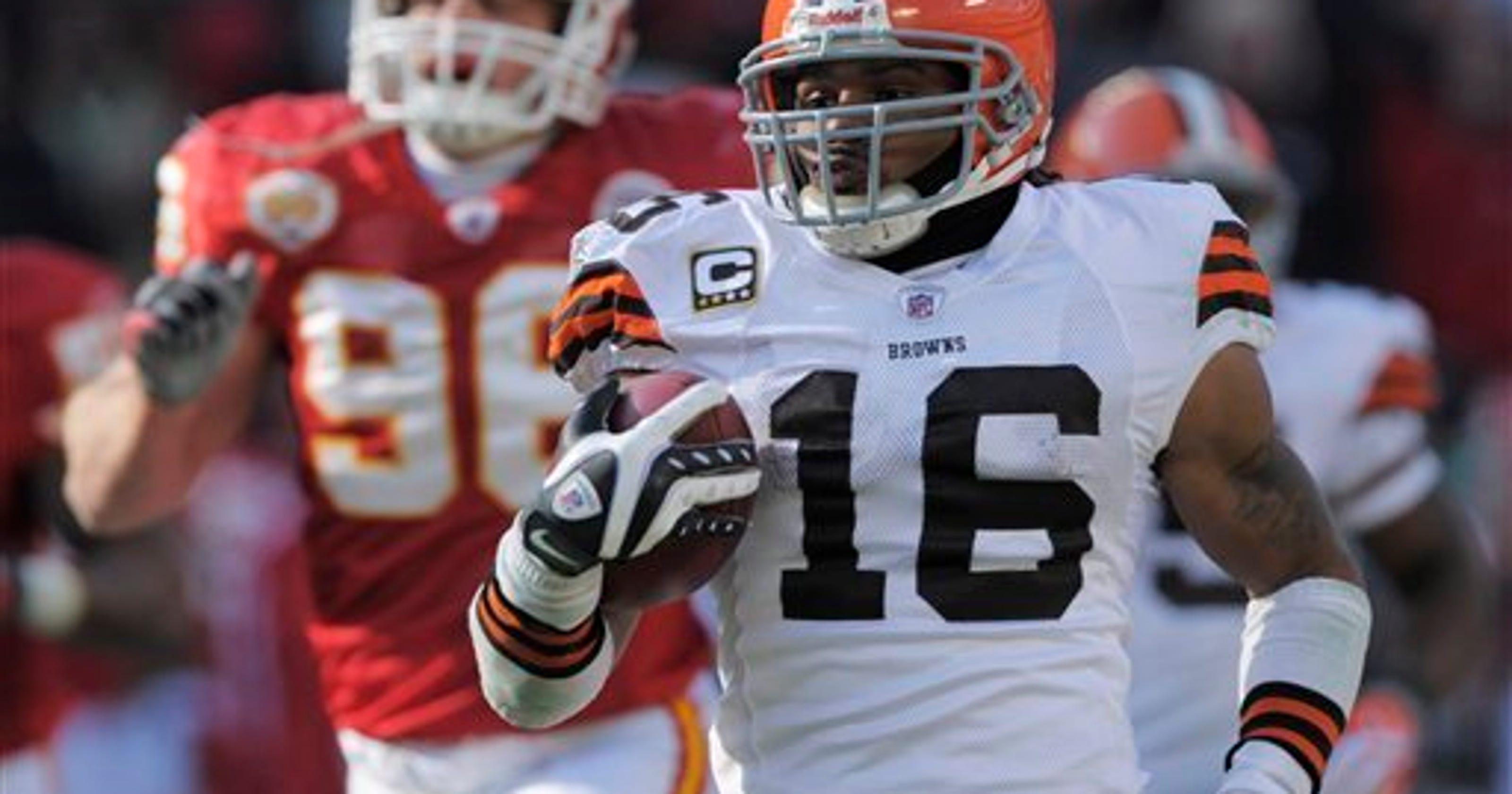 0777e2d09 Browns return specialist Josh Cribbs officially retires