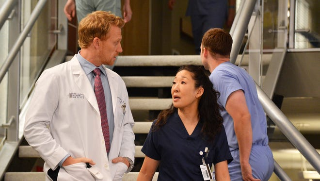 Kevin McKidd and Sandra Oh in a scene from 'Grey's Anatomy'