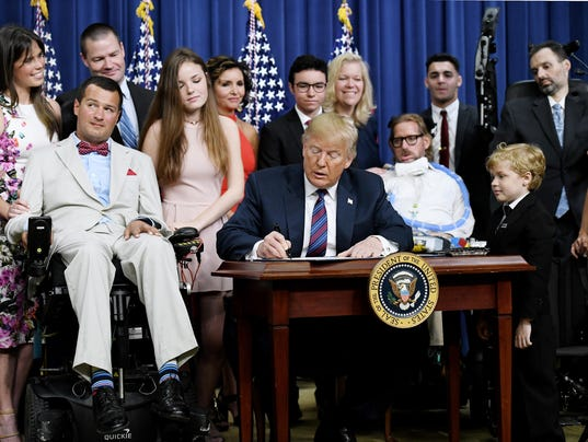 "President Trump signs S. 204, the ""Right to Try Act"" - DC"