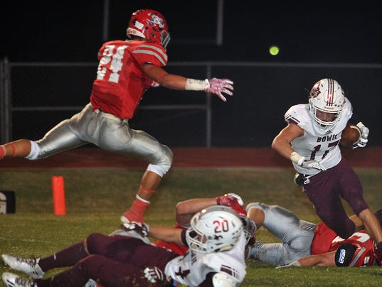 Bowie at Holliday FB 4