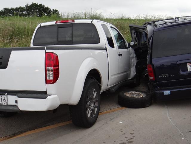 5 injured in Dodge County crash