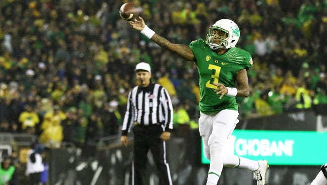 Oregon quarterback Vernon Adams Jr. (3) throws the football during the first half of an NCAA college football game against California, Saturday, Nov. 7, 2015, in Eugene, Ore.