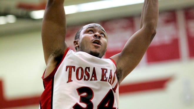 Wauwatosa East's Jerry Smith was a force for the Red Raiders before eventually playing his college career at Louisville.
