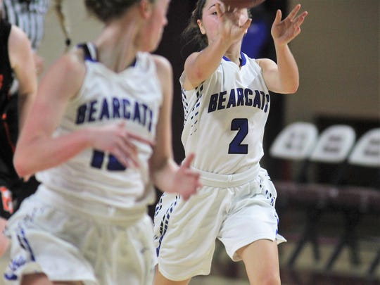 Walton-Verona guard Haylee Neeley runs the break last year.