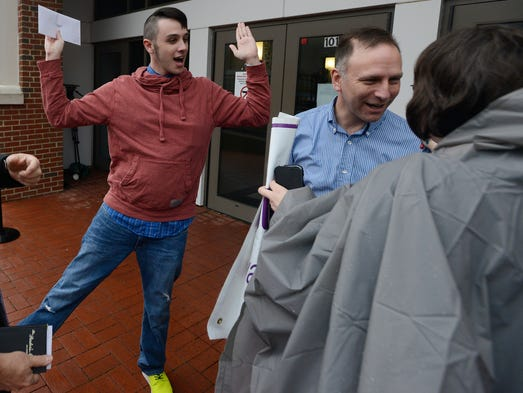 Alabama same-sex couples marry as legal battle rages