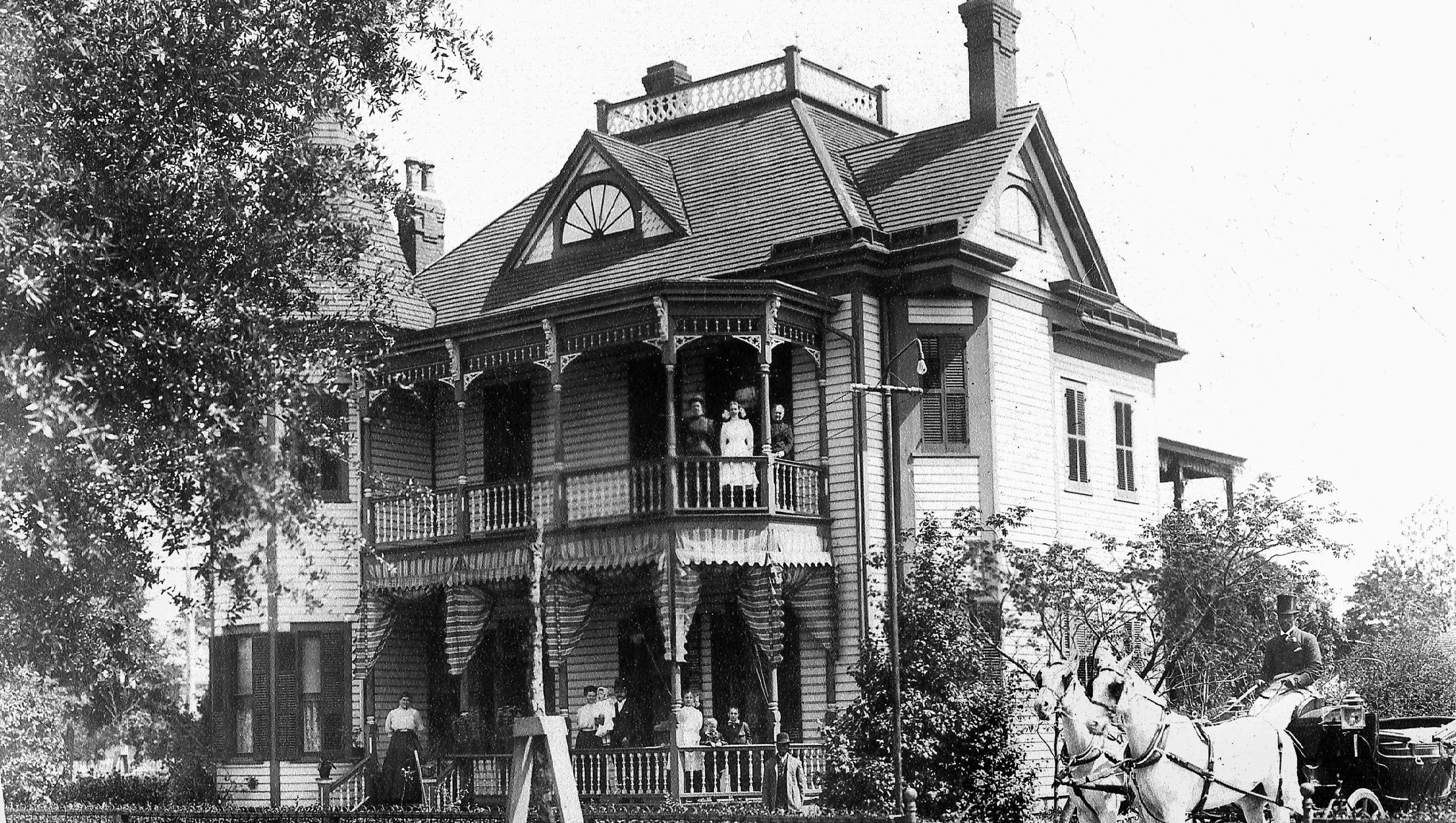 Historic photos pensacola residences for Victorian house facts