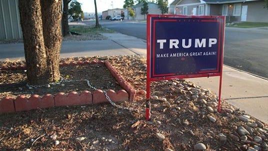 Donald Trump campaign signs