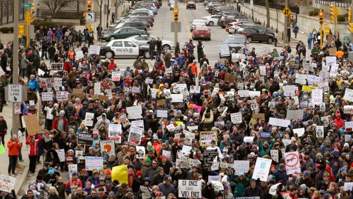 Thousands of Milwaukee students, adults and community