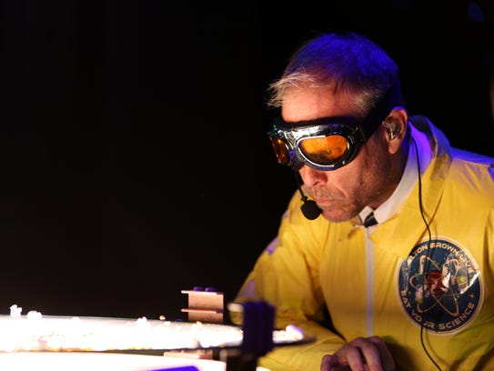 Alton Brown Live: Eat Your Science comes to Detroit's