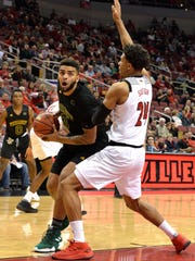 Vermont_Louisville_Basketball_60424.jpg