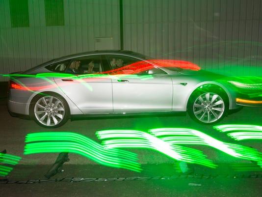 Gushing review of Model S P85D sends Tesla Motors stock soaring