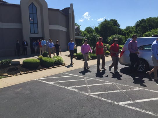 Rossview High's baseball team leaves the visitation