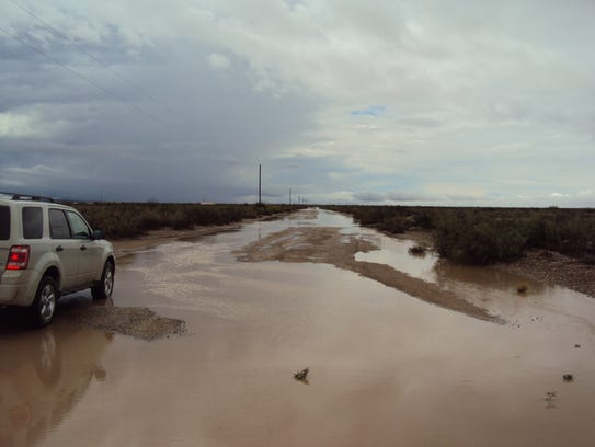 Road conditions near Escondido Acres and Gardens have