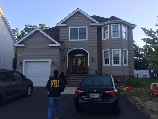FBI and other agents arrest Mordechai Breskin on charges