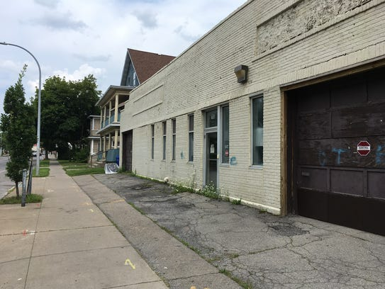 The site of a proposed Family Dollar store on Dewey