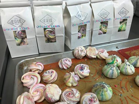 Gluten-free meringue kisses