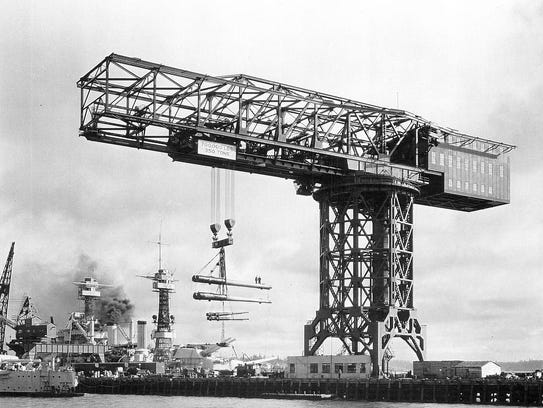 1933: The shipyard's iconic Hammerhead Crane was built.
