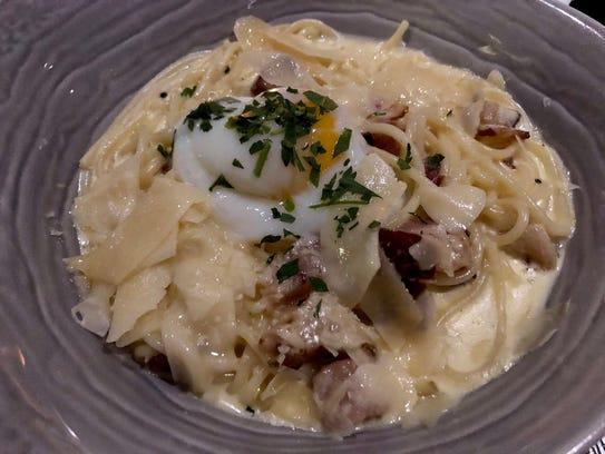 Carbonara-style spaghettini at Dorona in Naples.