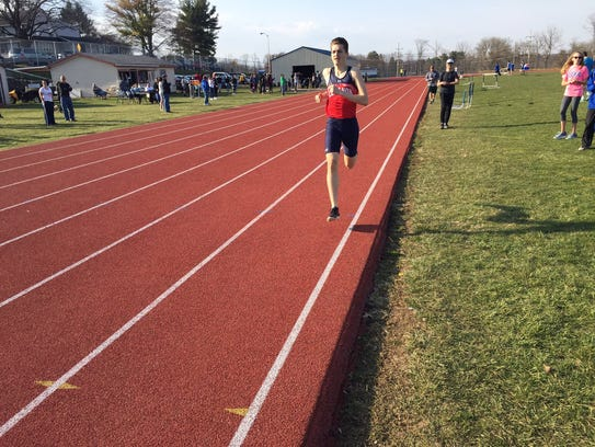 Riley Klick of Lebanon closes in on the finish line