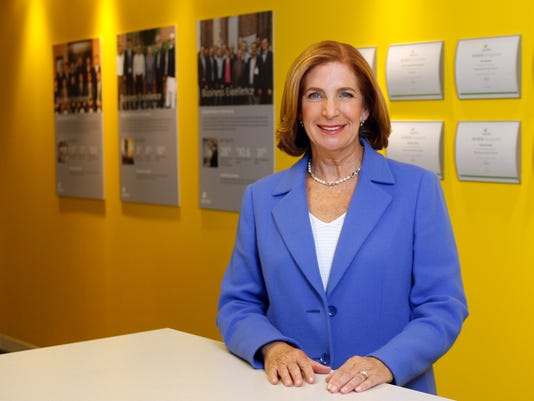 How many women run major companies? Not enough