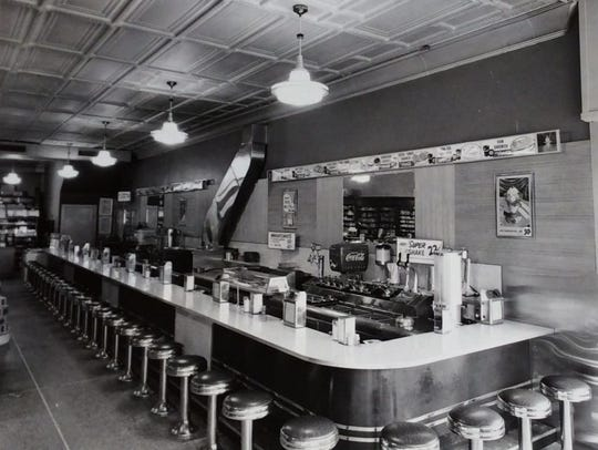 Unidentified lunch counter in Lansing.