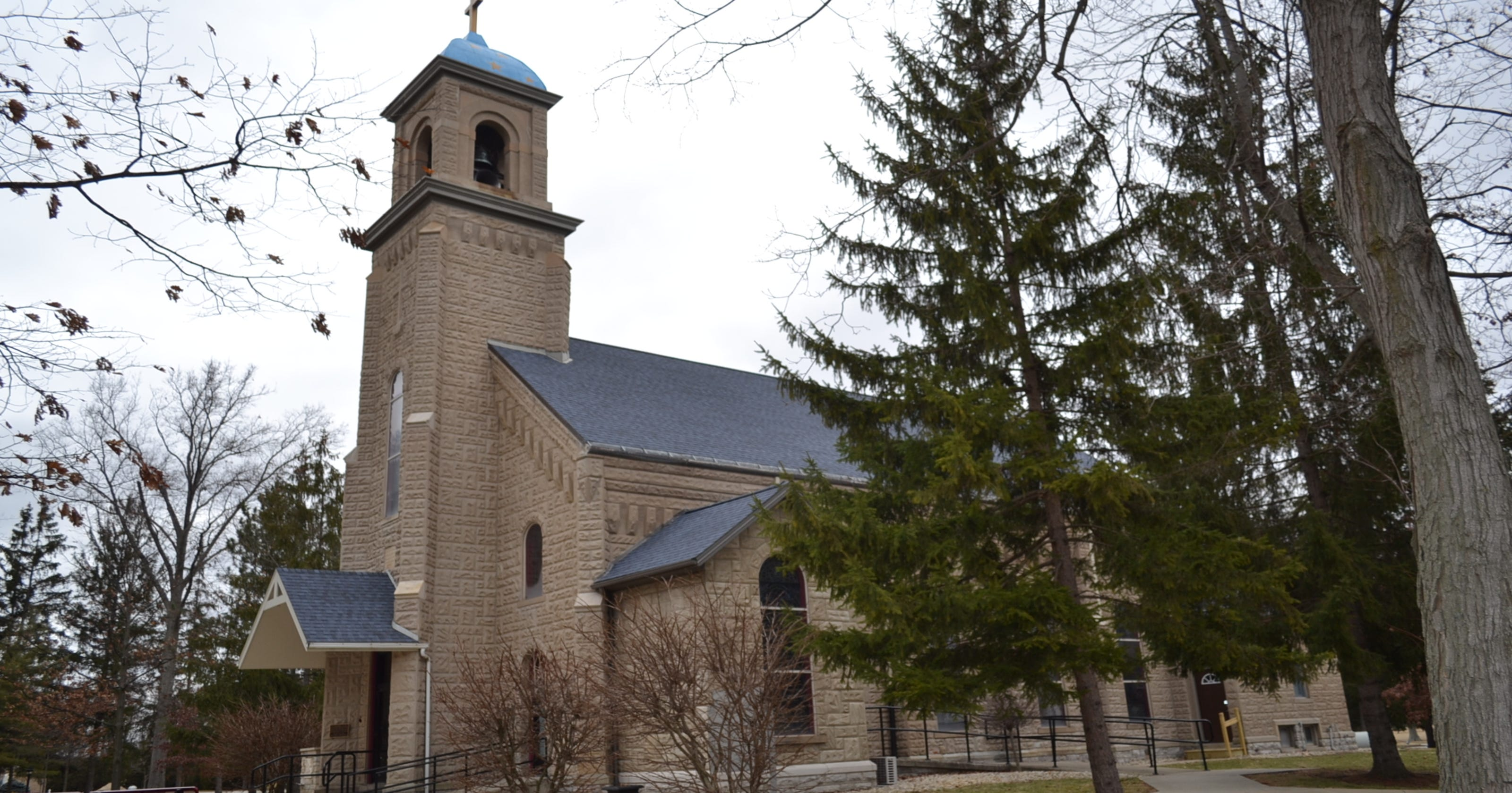 Participants 'soaked' in prayer at healing service