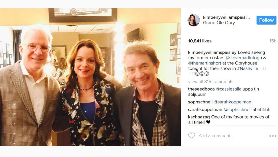 entertainment news father brides steve martin kimberly williams paisley short reunite