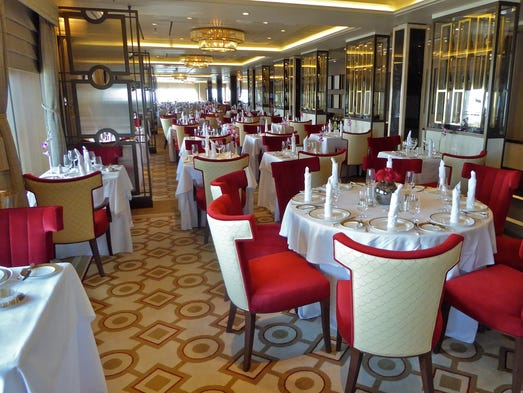 La croisiere pourquoi, comment!... - Page 5 636216322745285958-119-queenmary2queensgrill-1