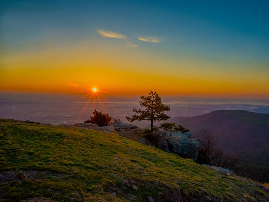 Sunrise Pt on Mt Nebo 6.2MB Size for email.jpg