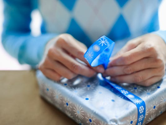 635852790471067340-wrapping-paper-81747949.jpg