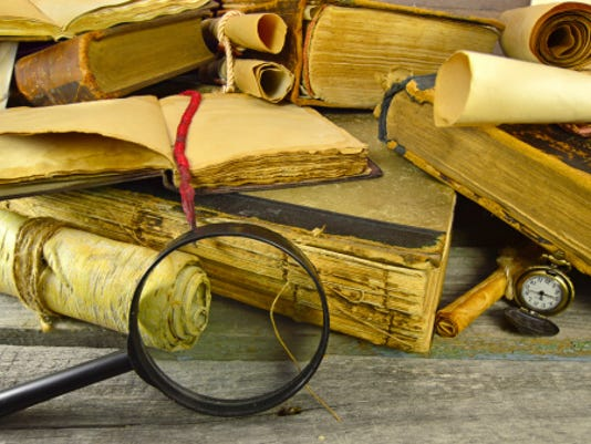 635883762995287446-old-books-with-magnifier.jpg