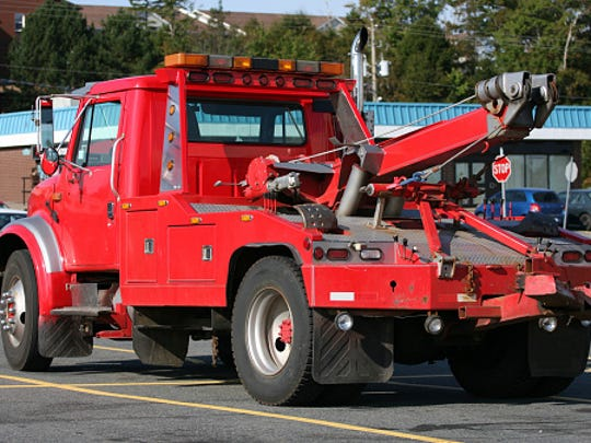 Tow truck owners stiffed on a towing bill would be able to hold, then sell, the contents of a vehicle as well as the auto if a proposed Senate bill becomes law.