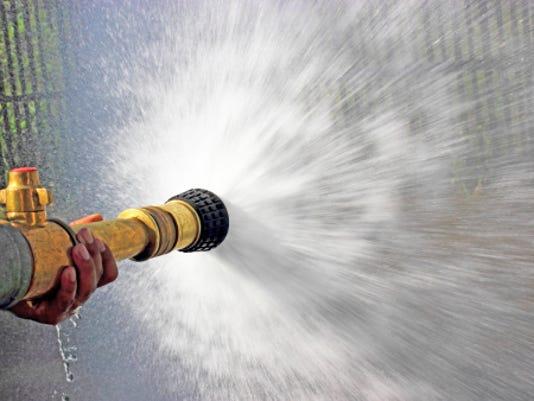 636499066253348615-fire-hose.jpg
